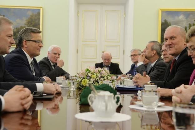 """OPZZ – """"języczkiem uwagi"""" drugiej tury wyborów prezydenckich"""